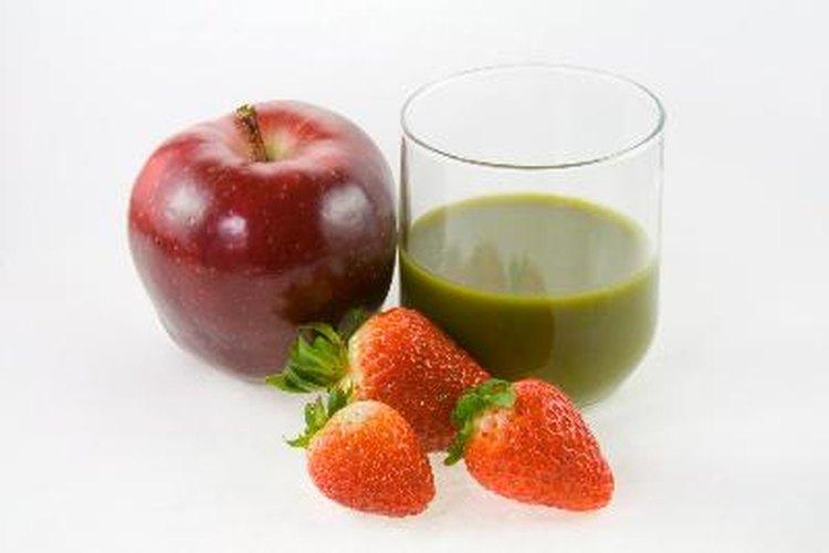 El kiwi es una fruta versátil con alto contenido de vitaminas y nutrientes.