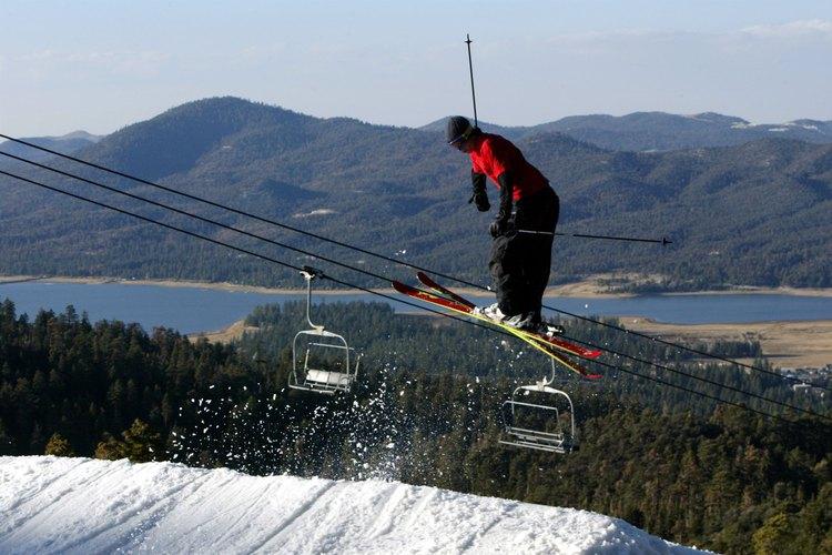 Esquiar en Bear Mountain Resorts es una de las actividades favoritas de invierno en Big Bear Lake.