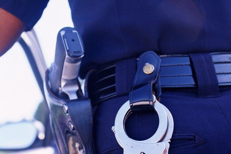 Una orden de arresto puede ser emitida si una denuncia contiene suficientes pruebas.