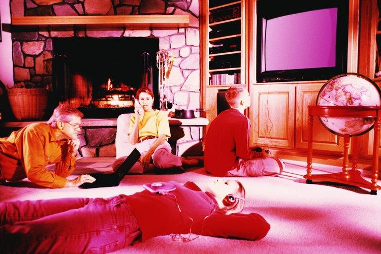 Deja la televisión y saca a tu hijo adolescente de la casa.