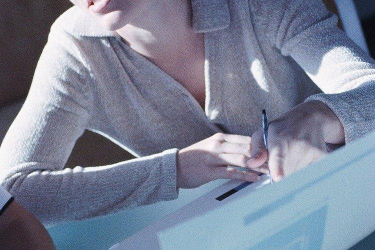 Los editores son responsables del contenido visual y textual de una publicación.