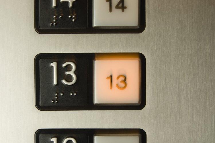 Se denomina triscaidecafobia al temor al número 13.