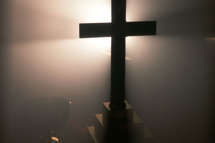 Los cristianos creen que Jesús murió en la cruz por sus pecados.