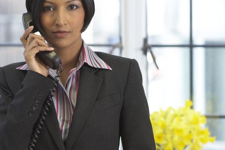 Llama a tu jefe si estás enfermo y no puedes ir al trabajo.