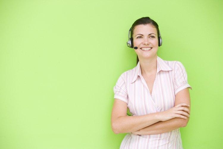 Un telemarketer crea y actualiza los archivos de clientes, pedidos y cuentas.