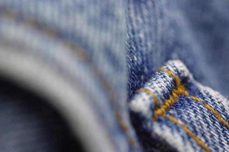 El algodón, como el lino, es una fibra vegetal.