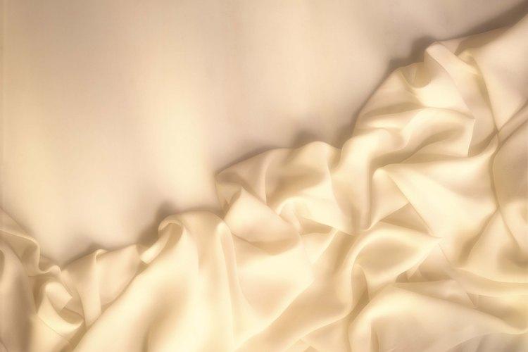 La seda tiende a ser difícil de doblar.