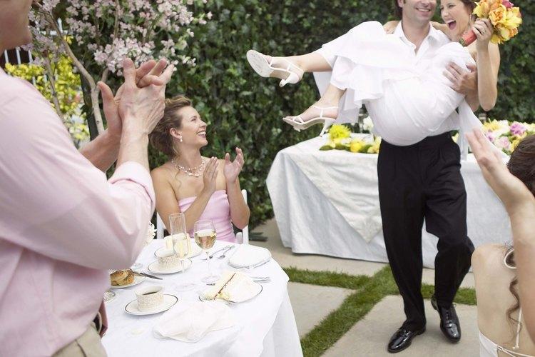 Los manteles dobles son usados para adornar un evento.