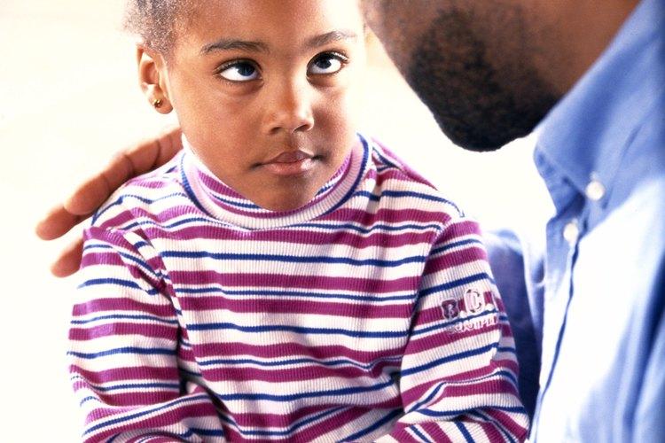 Establece reglas y expectativas claras antes de disciplinar a tu hijo.