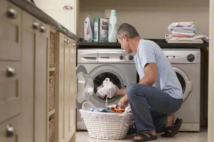 La lavadora Whirlpool Cabrio ofrece más de 20 diferentes códigos de fallo que direcciona errores con múltiples funciones de la lavadora, incluyendo problemas eléctricos, problemas de agua y las necesidades básicas de mantenimiento.
