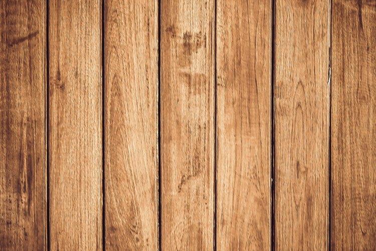 Remover pintura de pisos de madera tiene su ciencia.