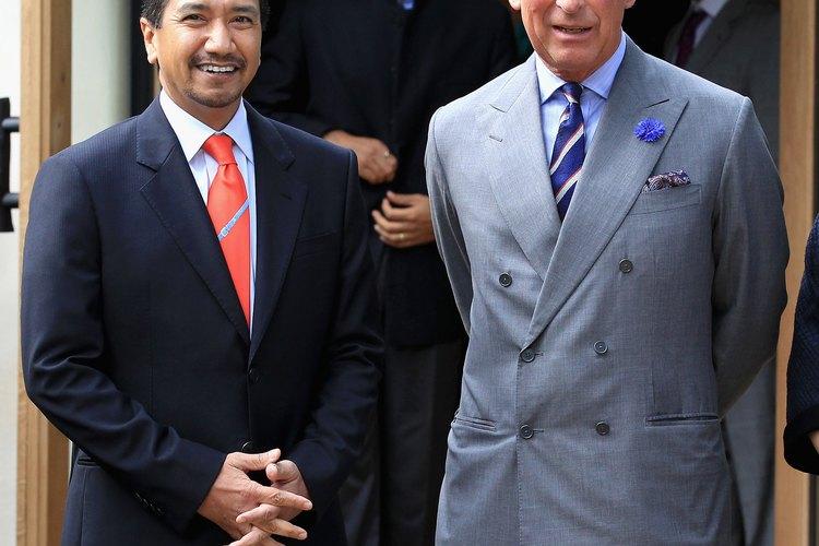 El príncipe Carlos y el rey sultán de Malasia Mizan Zainal Abidin.