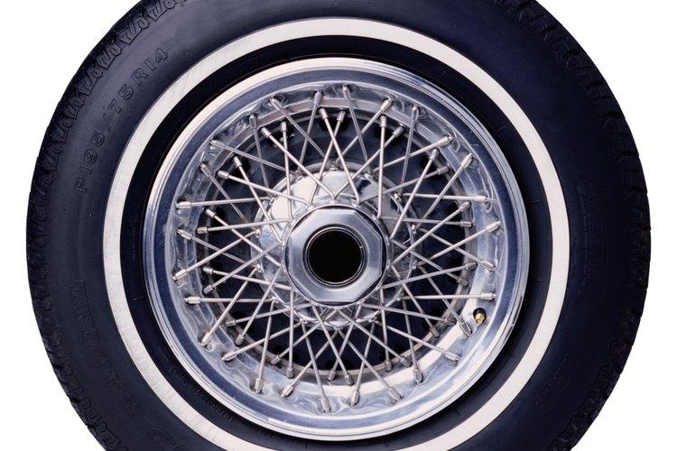Desinfla el neumático.