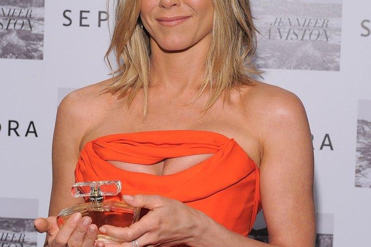 """En los años 90, el pelo de Jennifer Aniston era más oscuro y en capas en el corte tipo """"Rachel""""."""