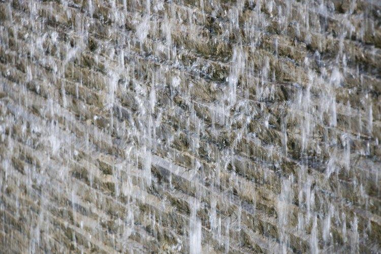 Puedes construir tu propia fuente de pared siguiendo estos tips.