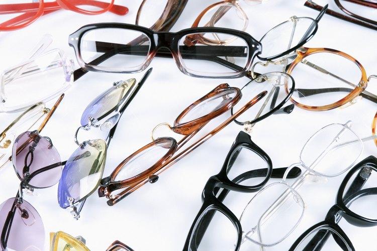 Es mejor usar gafas de montura gruesa si tu cara es redonda.