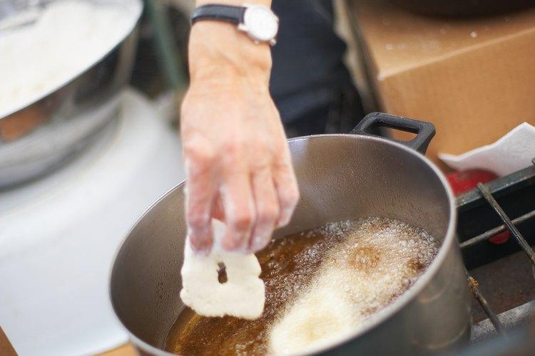 Algunos aceites de freír hacen que los alimentos fritos sean más saludables.