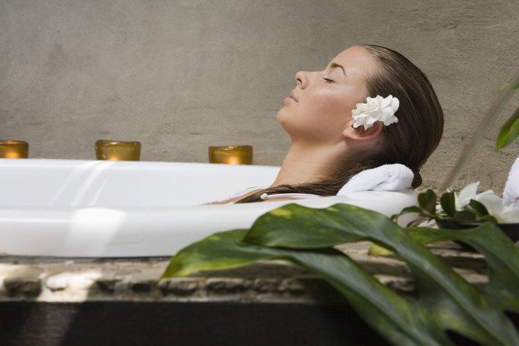 Los baños en agua salada aportan un festín de minerales para la piel.