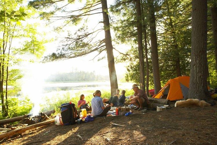 Cuando se planifica un viaje de campamento, la ubicación es una de las decisiones que debes tomar.