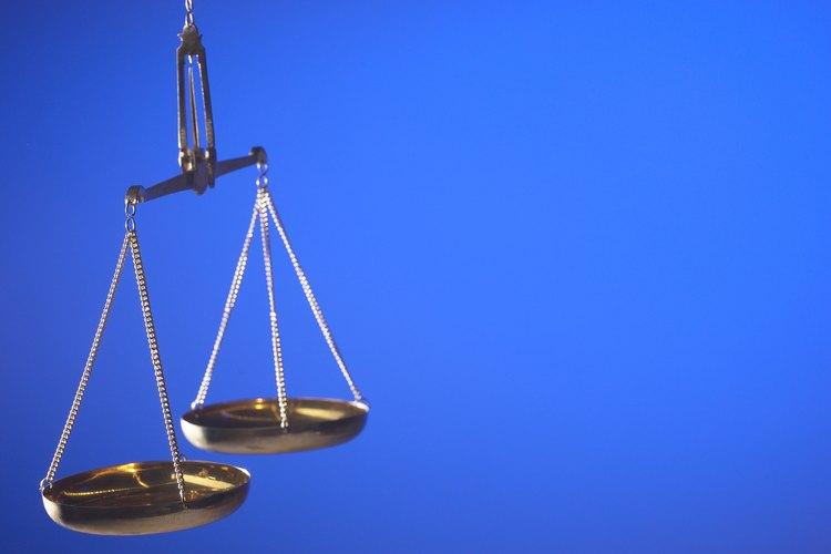 Que los individuos deban ser tratados con equidad es un ejemplo de creencia moral.