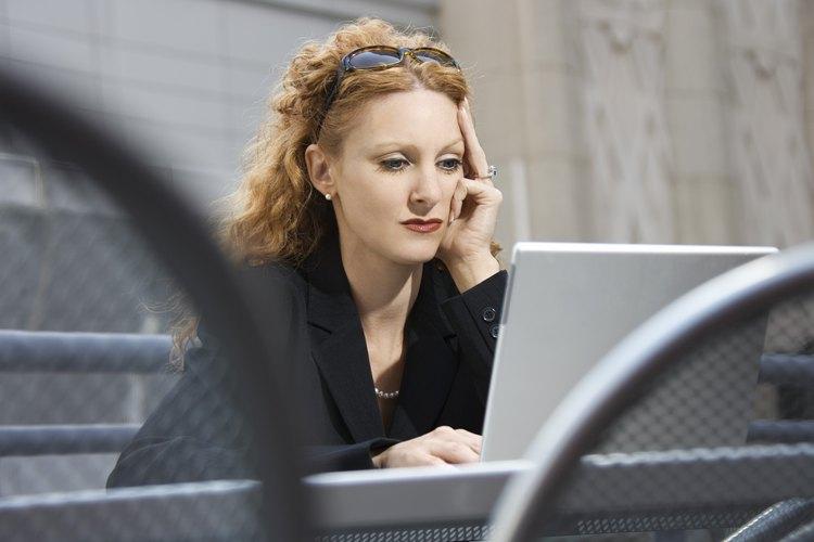 Busca en Internet las oportunidades de trabajo que se ajusten a tu perfil.