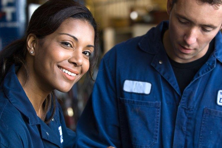 Estudia mecánica automotriz y siempre tendrás empleo.