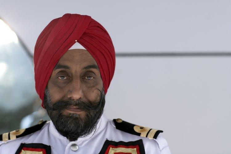Los turbantes son usados en las cabezas de hombres alrededor del mundo.