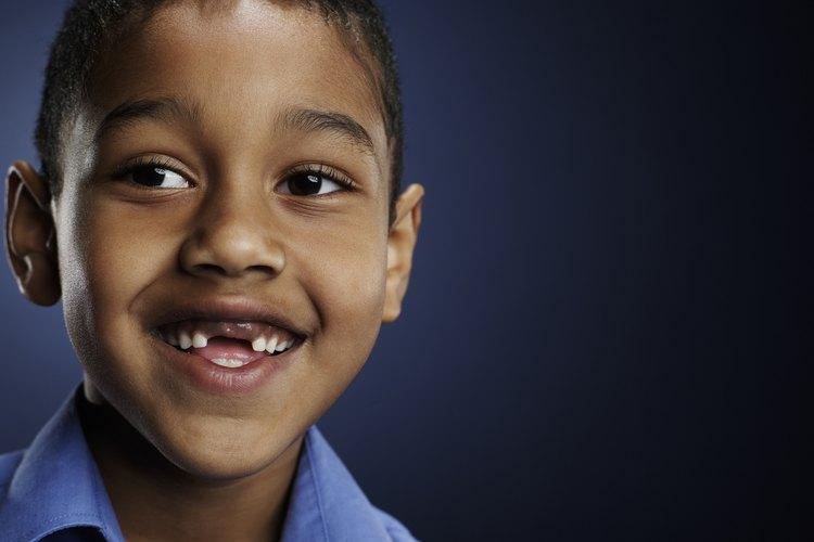 Un dentista u ortodoncista puede diagnosticar la condición si el hábito continúa y la presión de la lengua contra los dientes causa problemas con la alineación.