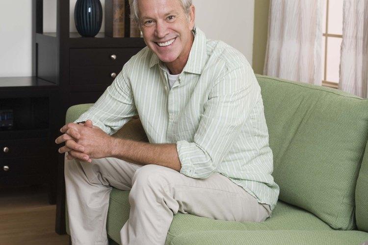 Los sofás bajos pueden desafiar a las personas con problemas de movilidad o condiciones inflamatorias.