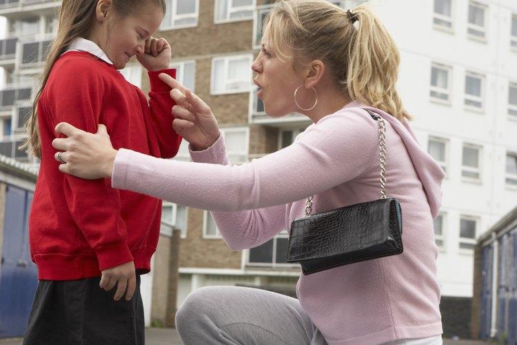 Burlarte de tu hijo puede causar problemas importantes sobre su autoestima.