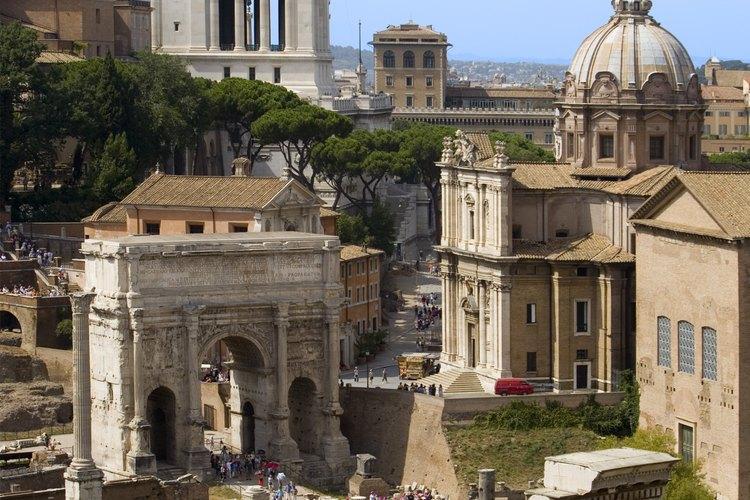 ¡No hay lugar como Roma! Ya sea que trotes alrededor del Tiber o andes en bicicleta a través de las ruinas, las vistas de la ciudad son sorprendentes en cualquier lugar que mires.