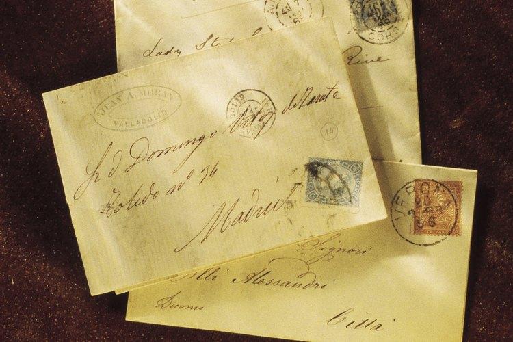 Las cartas personales son cálidas e informales.