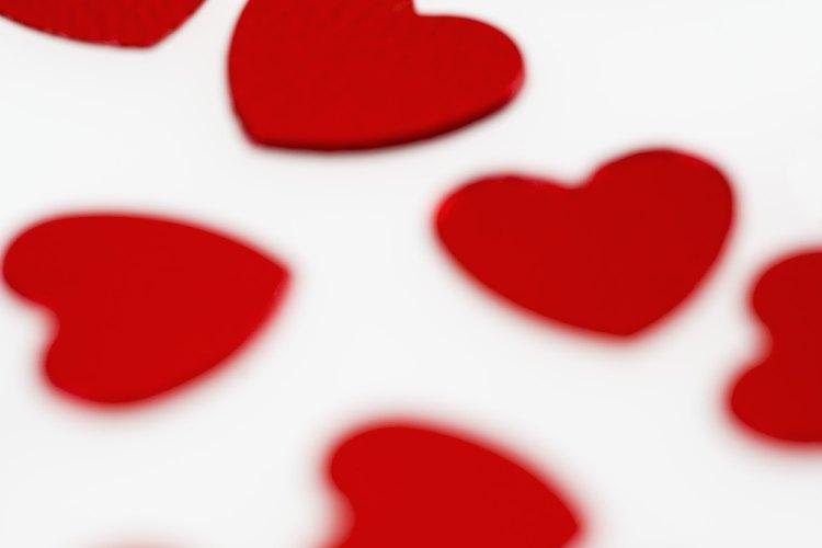 El corazón rojo es un símbolo tradicional del amor en las civilizaciones occidentales.