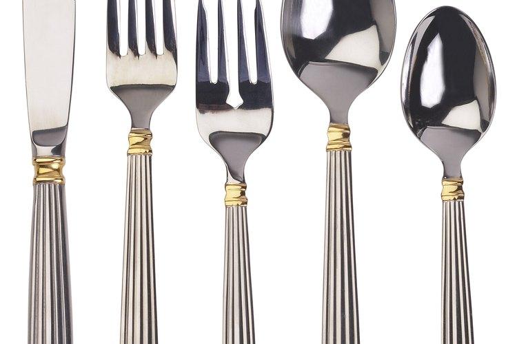 Existen simples reglas de etiqueta para una cena formal.