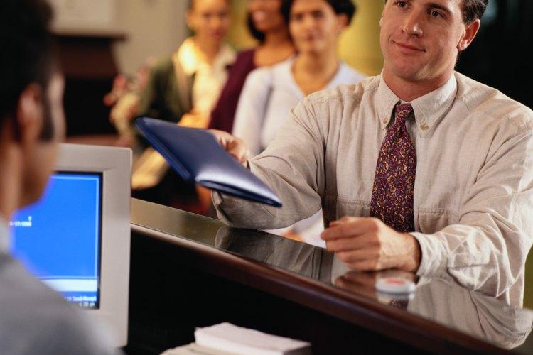 Para ser auditor nocturno necesitas conocimientos en contabilidad y manejo de libros entre otros.