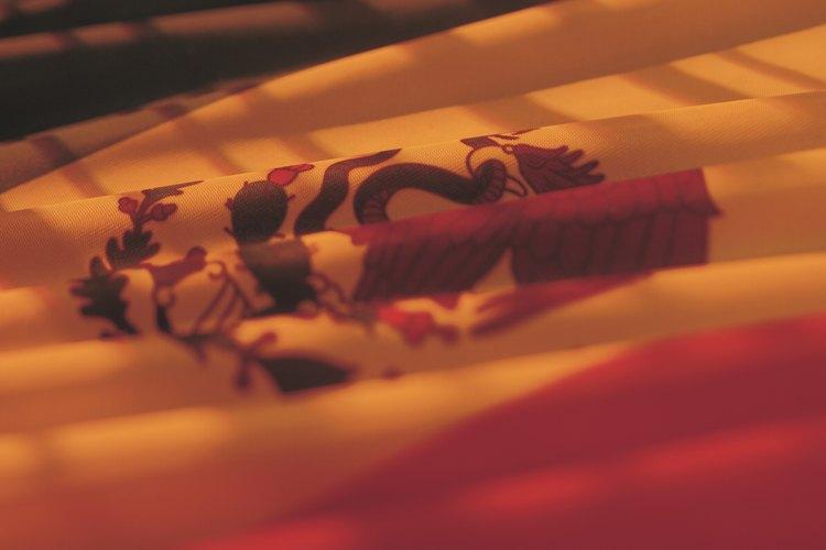 La bandera se iza a media asta para conmemorar eventos dolorosos para la nación mexicana.