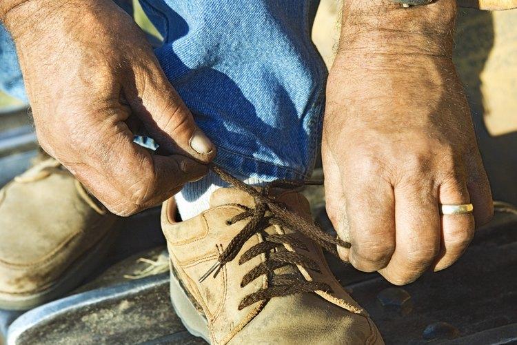 Los zapatos y las botas con suela de goma pueden ser realmente ruidosos.