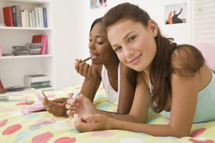 Los artículos de belleza son generalmente un éxito en las bolsas de sorpresa para adolescentes.