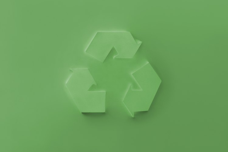 El reciclaje de papel resulta en una reducción neta de contaminantes del aire.