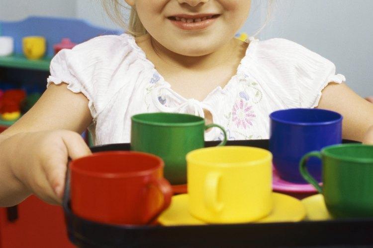 Tu niño preescolar practica nuevas habilidades en el juego dramático.