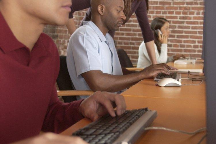 Esta estrategia combina la preocupación por las metas y por los empleados.