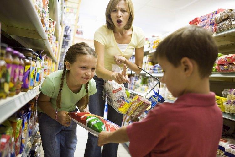 Las familias con niños problemáticos deben usar todo su sistema de apoyo.