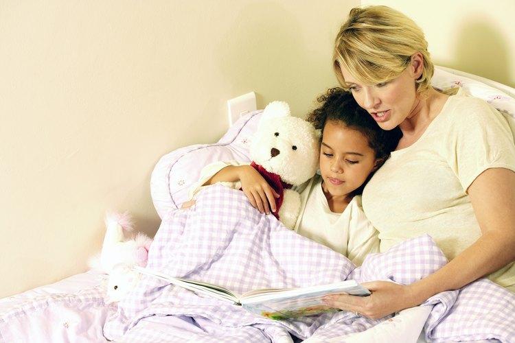 Establecer una rutina para acostar a tu hijo puede poner fin a los berrinches.
