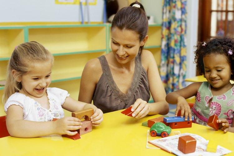 Trata a los trabajadores en atención infantil como educadores respetables y tomarán más en serio su trabajo.