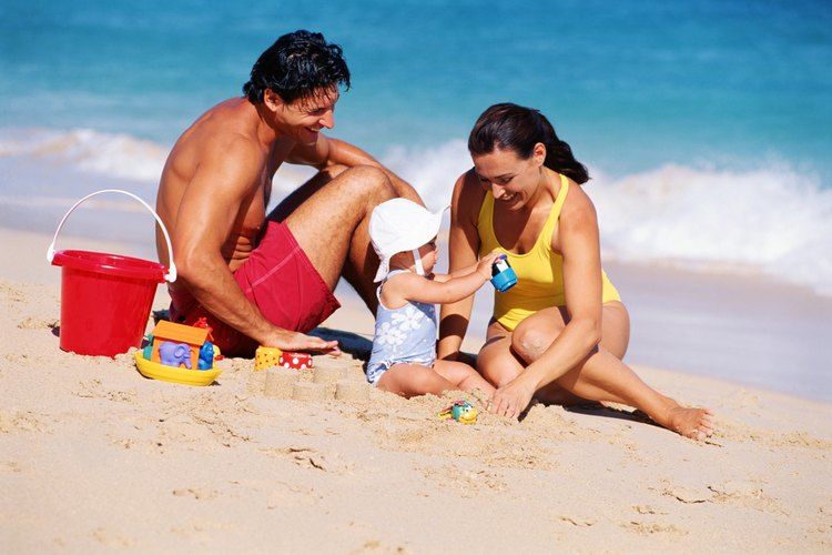La Skin Cancer Foundation advierte a los padres que la protección solar sea una prioridad y prediquen con el ejemplo.