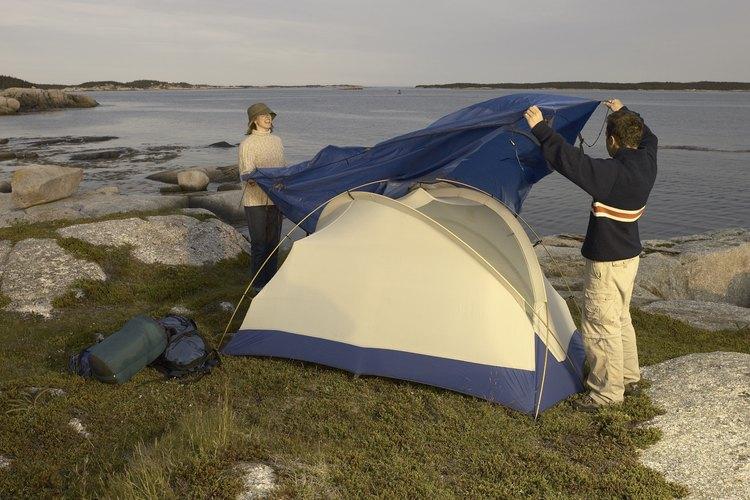 Puedes encontrar sitios de campamentos privados que tengan opción para más servicios.