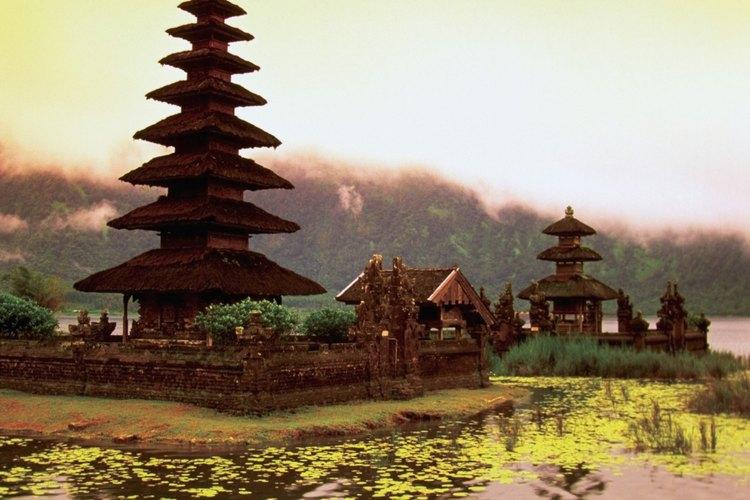 Templo Pura Ulun, Danu en el Lago Bratán, Bali, Indonesia