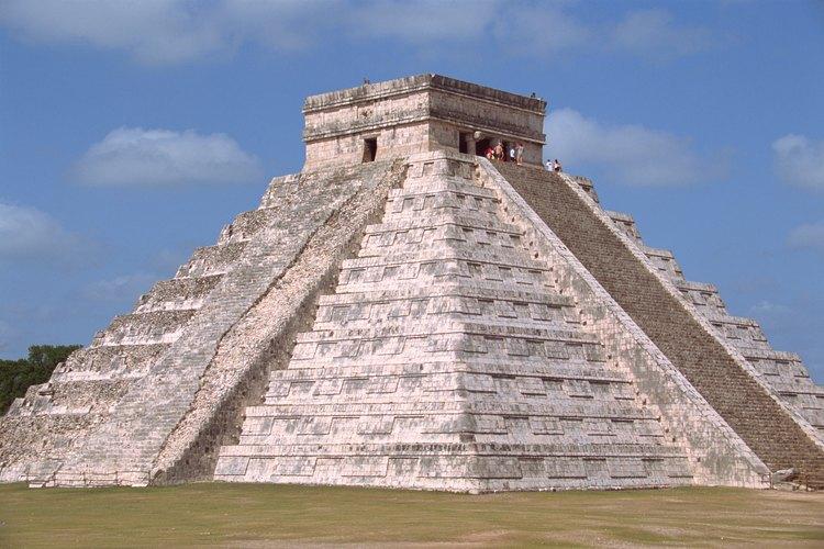 Los mayas construyeron Chichén Itzá utilizando herramientas básicas de piedra.