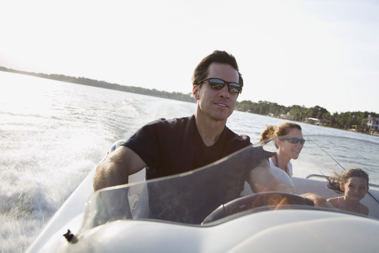 Lleva a tu hijo de paseo en barco por la bahía de Chesapeake.