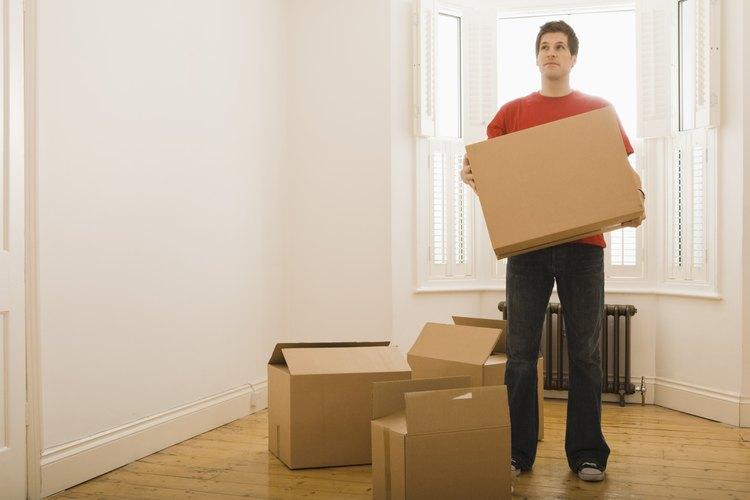 Si te mudas tu solo de la casa el servicio postal va a reenviar a la nueva sólo la correspondencia dirigida a ti.